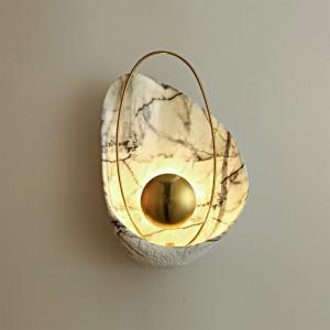 LAMPA DE PERETE YOKO - METAL AURIU + MARMURA ARTIFICIALA ALBA